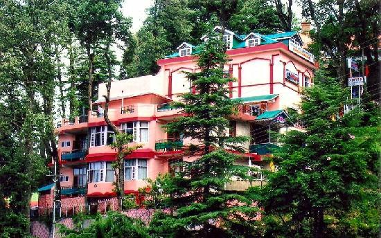 Hotel Ashiana Regency: Hotel Exterior, Hotel Ashiana Dalhousie