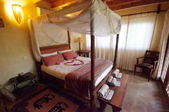 Kitu Kidogo Cottages: Our room when we arrived