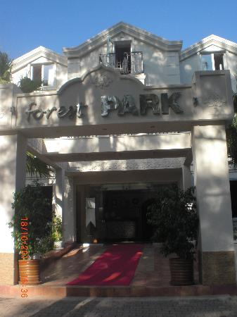 Forest Park Hotel: exterior