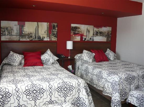 Miami Motel: cozy beds