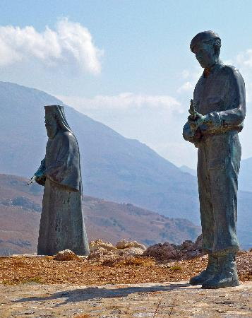 Morpheas Apartments: From rare icons to gun-toting monks - Preveli monastery and monument