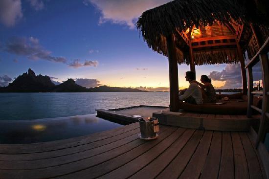Four Seasons Resort Bora Bora: Afternoon @ Bora Bora