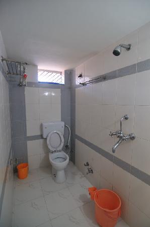 Udai Haveli Guest House : Bathroom