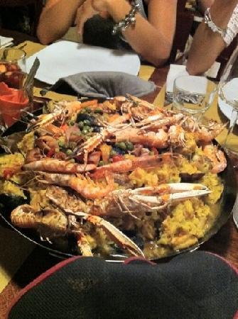 Finale Ligure, Italia: Serata Paella!!! Vamos !Pomella