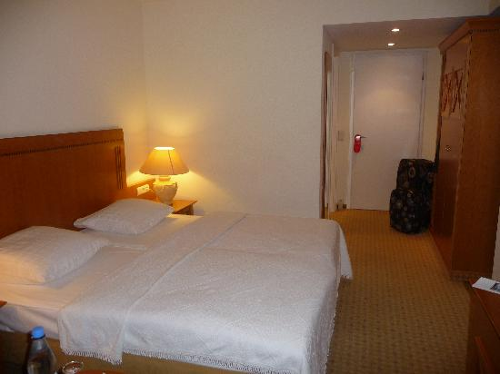Hotel Domicil Berlin by Golden Tulip : My Room