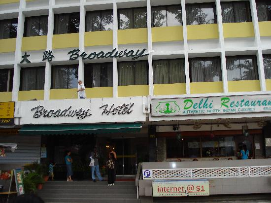 Broadway Hotel Singapore: View of the Hotel from across the street