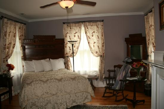 Narragansett Room, Fig Street Inn, Cape Charles, VA
