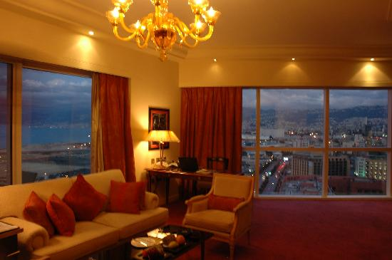 Four Seasons Hotel Beirut : living room of our suite