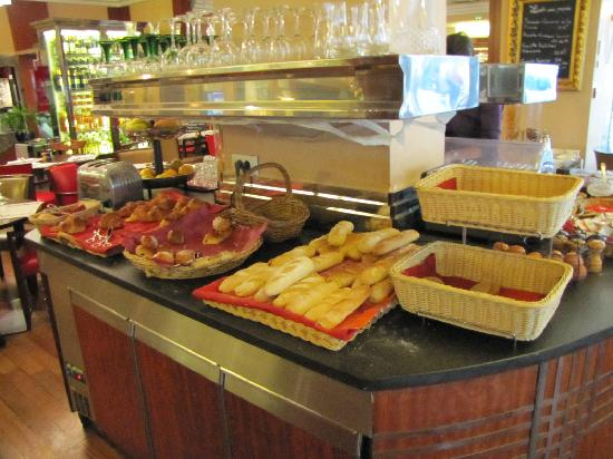 Hotel Saint Christophe: breakfast