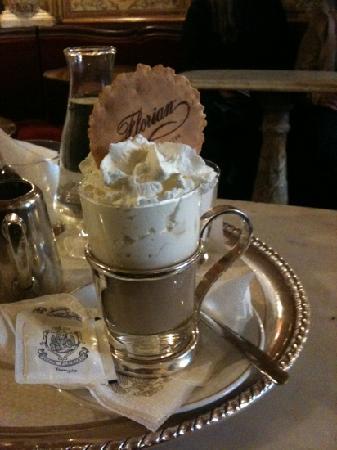Caffe Florian Venezia: cappuccino pan cona