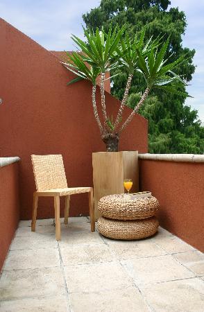 Piedraluna Hotel : balcon en habitacion