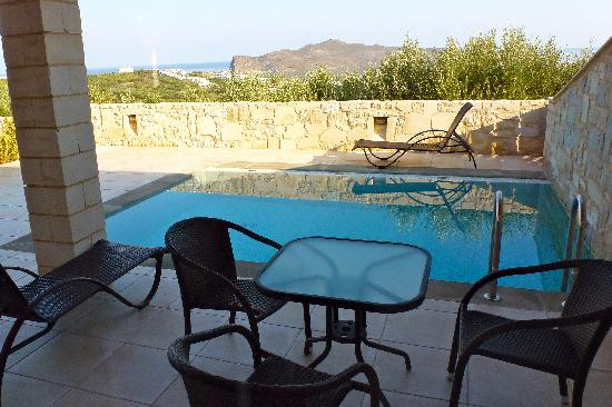 Lofos Village: Our apartment terrace with pool at Lofos