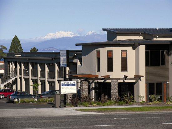 โรงแรมอัลไพน์ เลค มอเตอร์ ลอดจ์