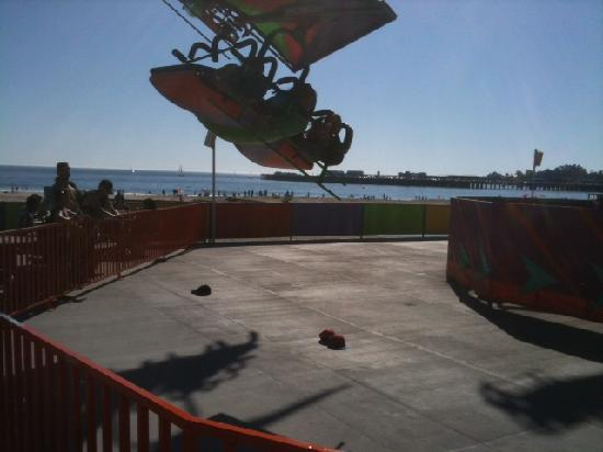 Super 8 Santa Cruz/Boardwalk West: Ride with pier in background