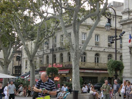 Hotel de l 39 horloge on place de l 39 horloge avignon france for Boutique hotel avignon