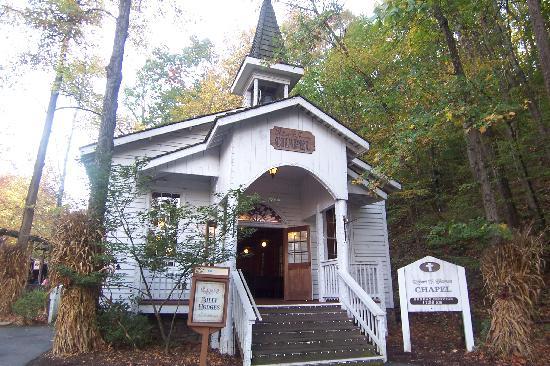 Dollywood: Chapel