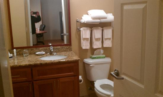 Candlewood Suites Santa Maria: Bathroom