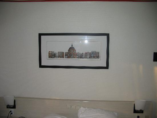 Singel Hotel Amsterdam: You will find this print everywhere in the hotel