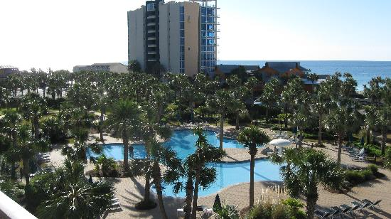 Sterling Shores: balcony view of pool