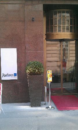 Radisson Blu Style Hotel, Vienna: Outside Front Entry