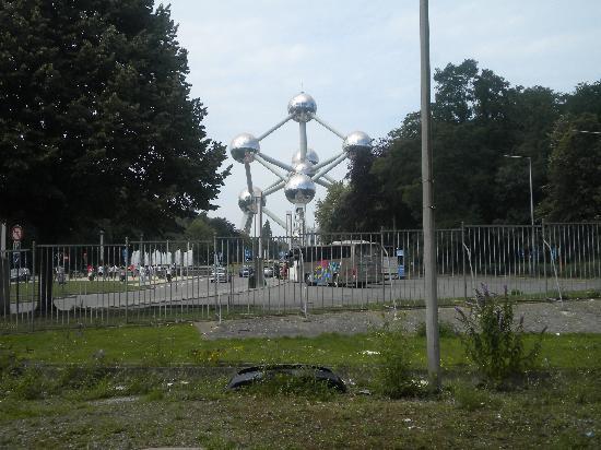 Le Centenaire: El hotel está muy cerca del Atomium