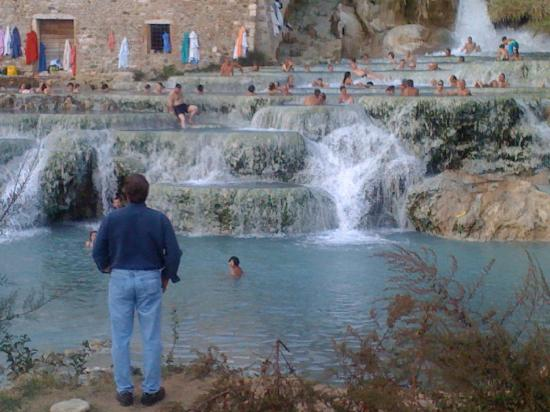 Hotel la Fonte del Cerro Saturnia: The thermal waterfalls