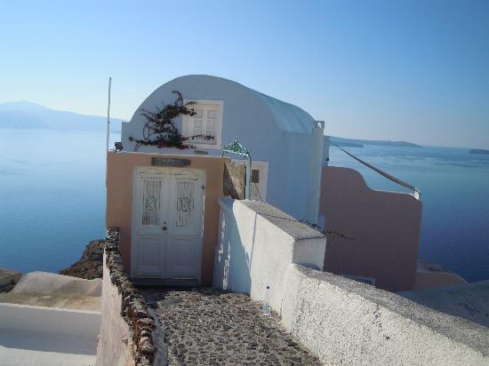 Art Maisons Luxury Santorini Hotels Aspaki & Oia Castle: Front door of Aspaki