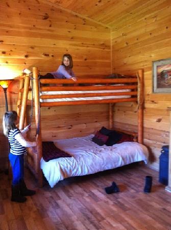 Valle Crucis Bed & Breakfast: bunkbeds in sheriffs office