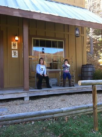 Valle Crucis Bed & Breakfast: sheriffs office porch