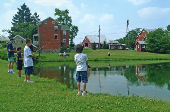 Granite Hill Camping Resort: Trout Pond