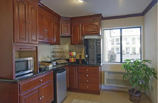 Americas Best Value Inn & Suites - Wine Country: Breakfast Area