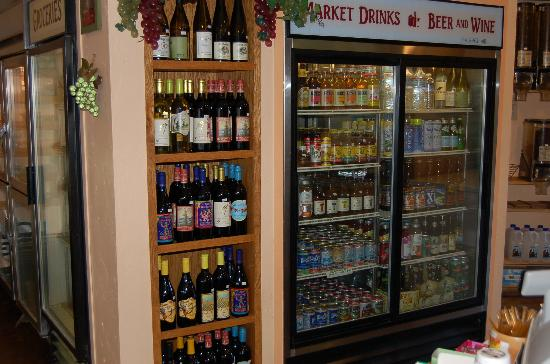 Nature's Corner Cafe and Market: Our Market 6