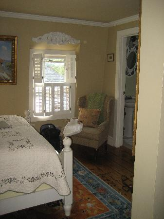 Victorian Ladies Inn: pic of our room