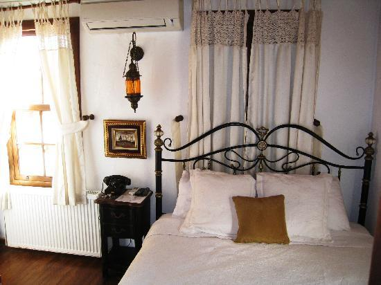 Markiz Konaklari Boutique Hotel: Our bed