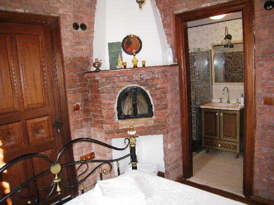 Markiz Konaklari Boutique Hotel: Uzum fireplace