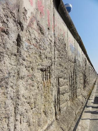 Topographie des Terrors : Part of the original Berlin Wall