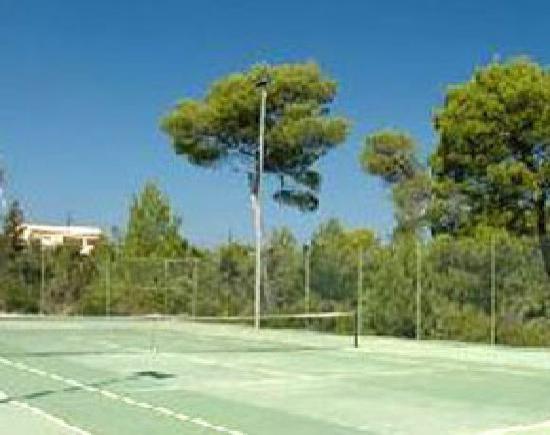 Ses Eufabietes: Pista de tenis