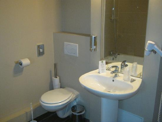 Residhotel Lille Vauban : salle de bains 2