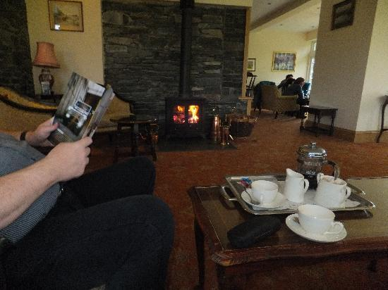 The Borrowdale Gates Hotel : enjoying tea in front of log burner-Ahhh