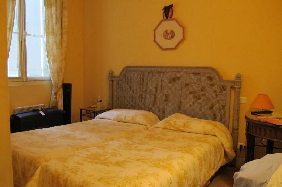 Hotel Palais Cardinal: The (bed)room