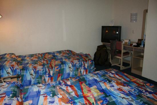 Motel 6 Washington DC: Coin TV, bureau et chaise