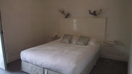 Perier du Bignon Hotel : la chambre