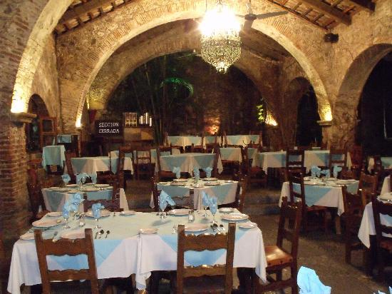 Tequesquitengo, México: la salle du restaurant