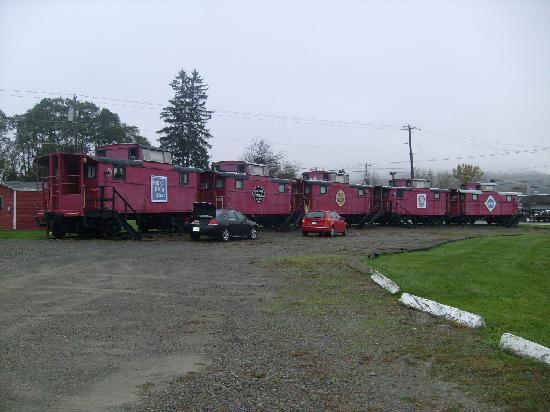 Caboose Motel: Whoo whoo