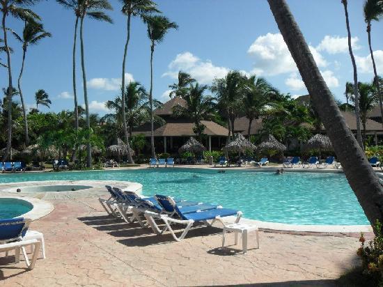 VIK Hotel Arena Blanca : Pool area & Buffet Restaurant