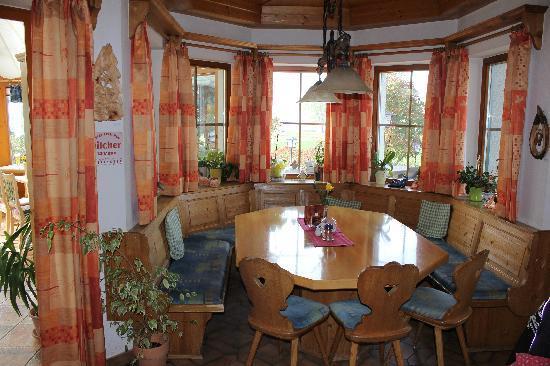 """Restaurant Zenz'n Stub'n : Gemütlicher """"runder Tisch"""""""