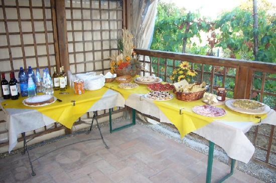 Podere Casanova: Saturday welcome buffet