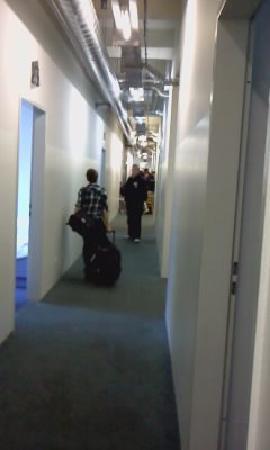 Hotel Transit Loft: the main hallway