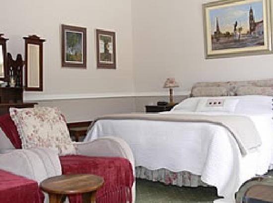 Oak Tree Cottage Guest House: Standard edroom - also available with 2 single beds