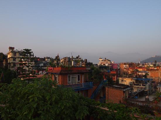 Kathmandu Peace Guest House: Rooftop view 1